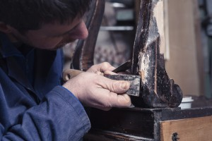 Restaurierung von Holzmöbeln
